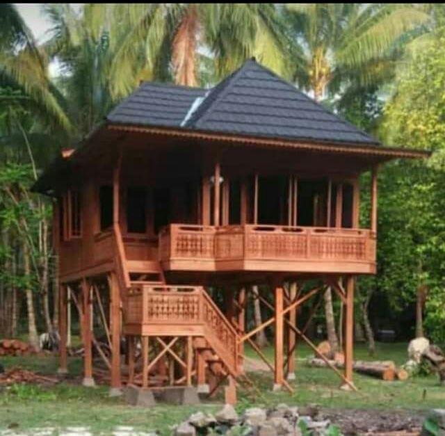 rumah kayu pantai